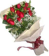 11 adet kirmizi güllerden özel buket  Elazığ çiçek yolla