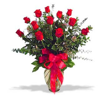 çiçek siparisi 11 adet kirmizi gül cam vazo  Elazığ çiçekçi telefonları