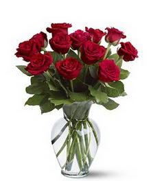 Elazığ anneler günü çiçek yolla  cam yada mika vazoda 10 kirmizi gül