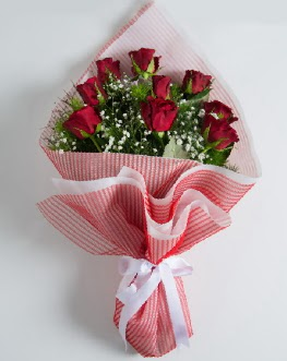 9 adet kırmızı gülden buket  Elazığ çiçek mağazası , çiçekçi adresleri