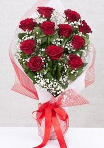 11 kırmızı gülden buket çiçeği  Elazığ hediye çiçek yolla