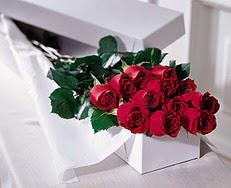 Elazığ çiçek mağazası , çiçekçi adresleri  özel kutuda 12 adet gül