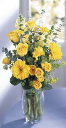 Elazığ çiçekçi telefonları  sari güller ve gerbera cam yada mika vazo