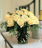 Elazığ çiçek yolla , çiçek gönder , çiçekçi   11 adet sari gül mika yada cam vazo tanzim