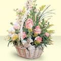 Elazığ hediye çiçek yolla  sepette pembe güller