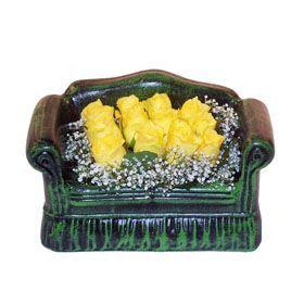 Seramik koltuk 12 sari gül   Elazığ güvenli kaliteli hızlı çiçek