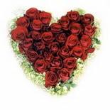 kalp biçiminde 15 gülden   Elazığ online çiçek gönderme sipariş