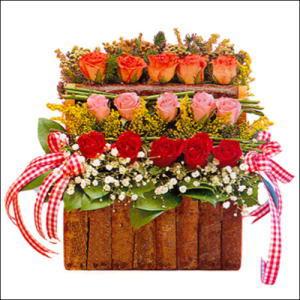 sandikta 3 kat güllerden   Elazığ çiçek , çiçekçi , çiçekçilik