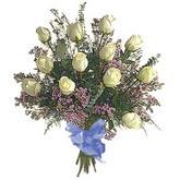 bir düzine beyaz gül buketi   Elazığ anneler günü çiçek yolla