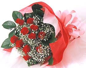 12 adet kirmizi gül buketi  Elazığ çiçek satışı