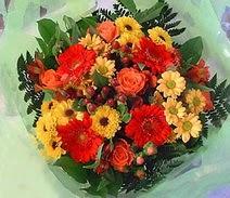 Elazığ güvenli kaliteli hızlı çiçek  sade hos orta boy karisik demet çiçek