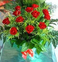 12 adet gül buketi  Elazığ çiçekçi mağazası