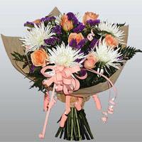 güller ve kir çiçekleri demeti   Elazığ çiçek gönderme sitemiz güvenlidir
