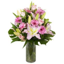 vazo içerisinde karisik mevsim çiçekleri  Elazığ çiçek yolla