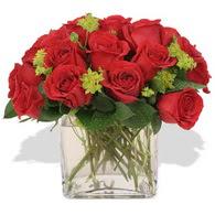Elazığ çiçek servisi , çiçekçi adresleri  10 adet kirmizi gül ve cam yada mika vazo