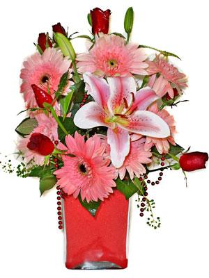 Elazığ çiçek satışı  karisik cam yada mika vazoda mevsim çiçekleri mevsim demeti