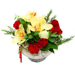 Elazığ çiçek online çiçek siparişi  1 adet orkide 5 adet gül cam yada mikada