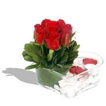 Mika kalp içerisinde 9 adet kirmizi gül  Elazığ çiçekçiler