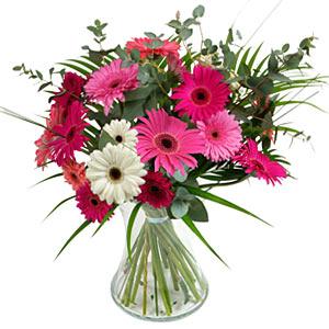15 adet gerbera ve vazo çiçek tanzimi  Elazığ çiçekçi telefonları