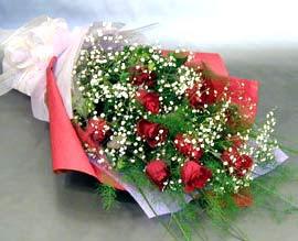10 adet kirmizi gül çiçegi gönder  Elazığ çiçekçi mağazası