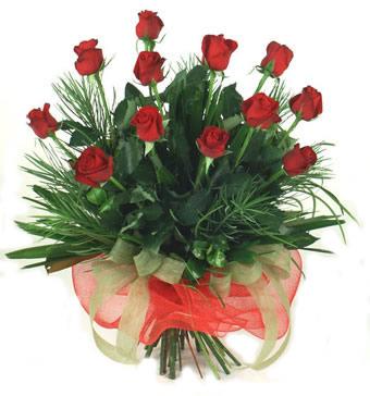 Çiçek yolla 12 adet kirmizi gül buketi  Elazığ online çiçek gönderme sipariş