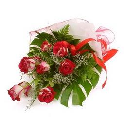 Çiçek gönder 9 adet kirmizi gül buketi  Elazığ çiçek gönderme