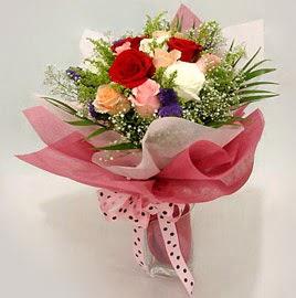 Karisik renklerde 11 adet gül buketi  Elazığ çiçek online çiçek siparişi