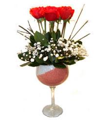 Elazığ çiçek gönderme sitemiz güvenlidir  cam kadeh içinde 7 adet kirmizi gül çiçek