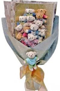 12 adet ayiciktan buket tanzimi  Elazığ çiçek satışı