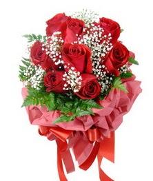 9 adet en kaliteli gülden kirmizi buket  Elazığ çiçekçiler
