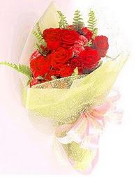 9 adet kirmizi gül buketi  Elazığ çiçek satışı