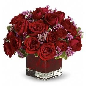 11 adet kırmızı gül vazosu  Elazığ çiçek gönderme sitemiz güvenlidir