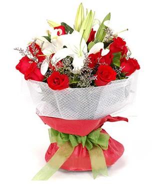 Elazığ yurtiçi ve yurtdışı çiçek siparişi  1 dal kazablanka 11 adet kırmızı gül buketi