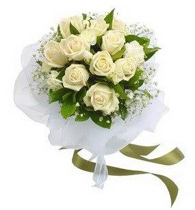 Elazığ cicekciler , cicek siparisi  11 adet benbeyaz güllerden buket