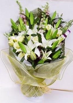 Elazığ çiçekçiler  3 adet kazablankalardan görsel buket çiçeği