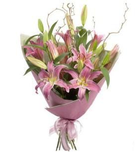 Elazığ 14 şubat sevgililer günü çiçek  3 dal cazablanca buket çiçeği