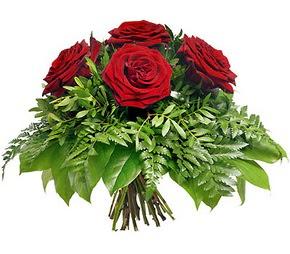 Elazığ internetten çiçek siparişi  5 adet kırmızı gülden buket