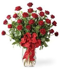 Sevgilime sıradışı hediye güller 24 gül  Elazığ hediye çiçek yolla