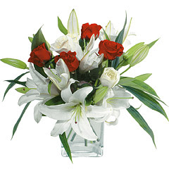 vazo içerisinde 4 gül 1 adet kazablanka  Elazığ çiçekçi telefonları