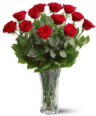 11 adet kırmızı gül vazoda  Elazığ çiçek yolla