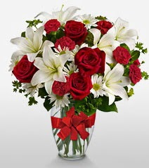 Eşsiz vazo tanzimi güller kazablankalar  Elazığ çiçekçi telefonları
