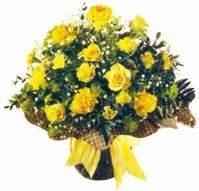 Elazığ kaliteli taze ve ucuz çiçekler  Sari gül karanfil ve kir çiçekleri