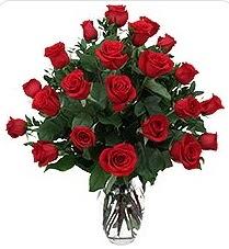 Elazığ çiçek yolla , çiçek gönder , çiçekçi   24 adet kırmızı gülden vazo tanzimi