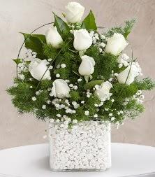 9 beyaz gül vazosu  Elazığ çiçek mağazası , çiçekçi adresleri