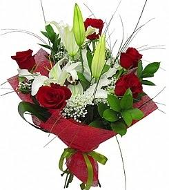 1 dal kazablanka 5 kırmızı gül buketi  Elazığ çiçek siparişi vermek
