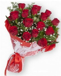 11 kırmızı gülden buket  Elazığ online çiçek gönderme sipariş