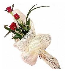 3 adet kırmızı gül buketi  Elazığ online çiçek gönderme sipariş