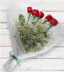 5 kırmızı gülden sade buket  Elazığ hediye sevgilime hediye çiçek