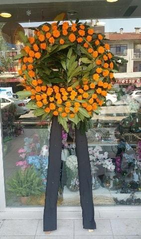 Cenaze çiçeği cenaze çelengi çiçek modeli  Elazığ çiçek online çiçek siparişi