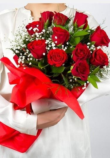 Aşk Gülleri 11 Adet kırmızı gül buketi  Elazığ çiçek servisi , çiçekçi adresleri